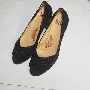 Sofft black peep toe heels size 8